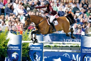 Qatari showjumper Bassem Hassan Mohammed showed some impressive balancing skills at the 2014 Longines Global Championships Tour of Cascais Read more at http://www.horseandhound.co.uk/features/test-your-equestrian-knowledge-477271#z2g7Wtc9BgpslT4P.99